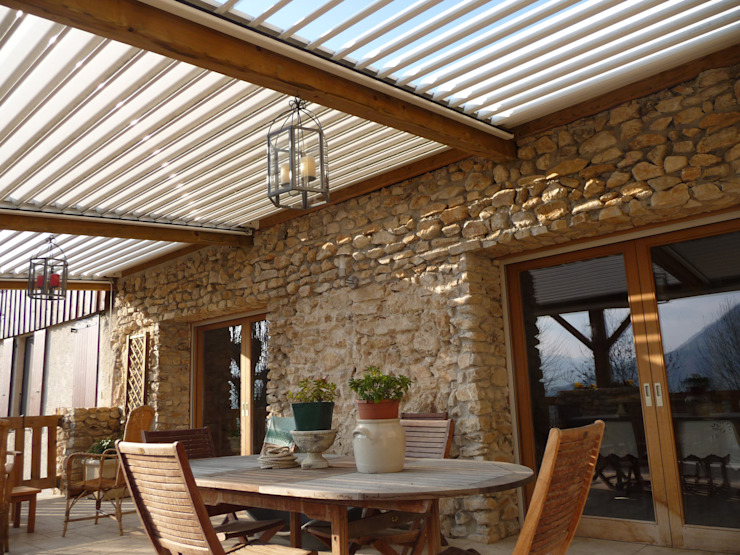 The BIOCLIMATIC Pergola by SOLISYSTEME の SOLISYSTEME モダン