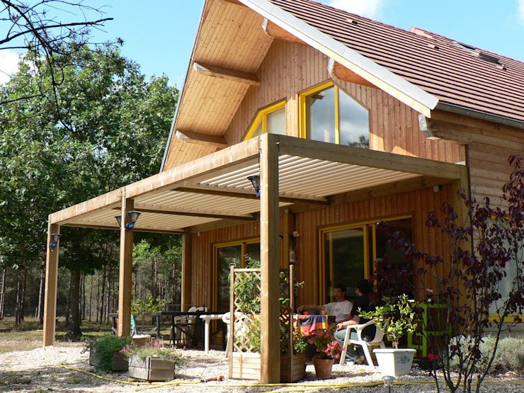 The BIOCLIMATIC Pergola by SOLISYSTEME SOLISYSTEME Похилий дах