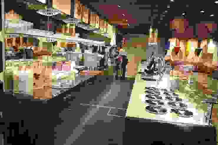 Witor's Store Centri commerciali moderni di Arch. Paolo Bussi Moderno
