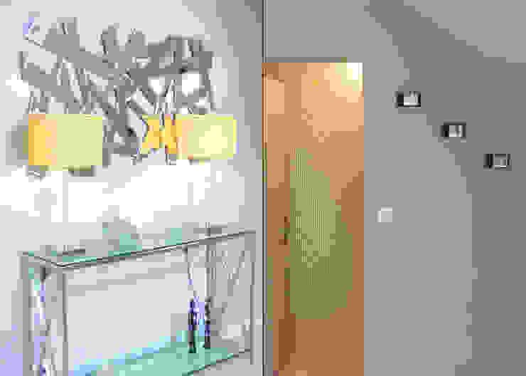 MISE AU <q>VERT</q> À VALLET Salon moderne par UN AMOUR DE MAISON Moderne