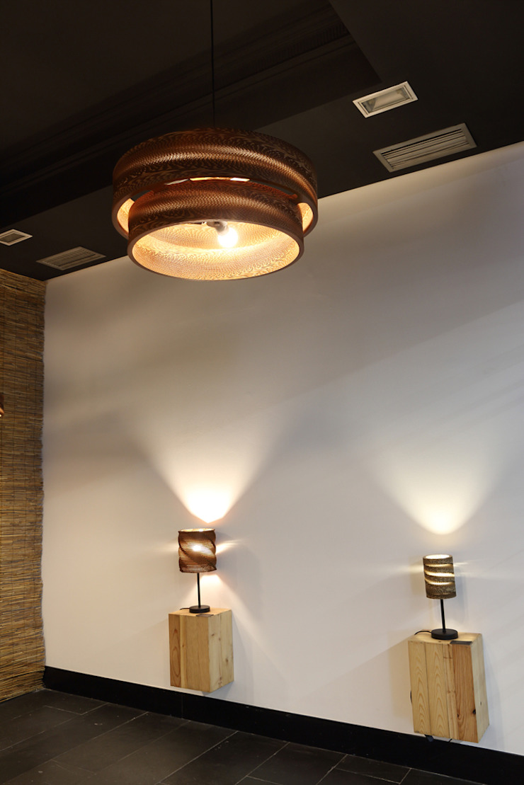 LAMPARASDECARTON.COM 10 Espacios comerciales de estilo moderno de K-LO TALLER DE ECODISEÑO,S.L. Moderno