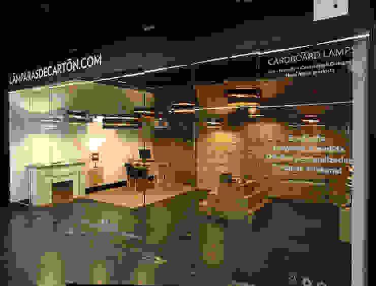 LAMPARASDECARTON.COM 02 Espacios comerciales de estilo moderno de K-LO TALLER DE ECODISEÑO,S.L. Moderno