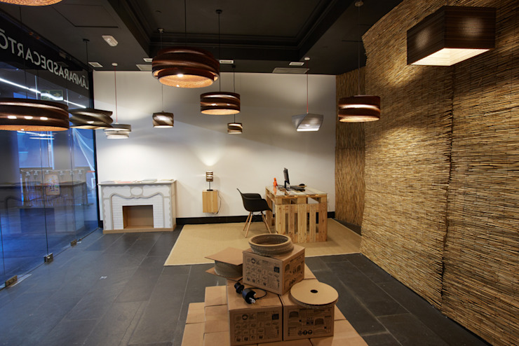 LAMPARASDECARTON.COM 05 Espacios comerciales de estilo moderno de K-LO TALLER DE ECODISEÑO,S.L. Moderno