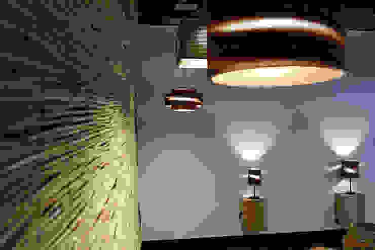 LAMPARASDECARTON.COM 09 Espacios comerciales de estilo moderno de K-LO TALLER DE ECODISEÑO,S.L. Moderno