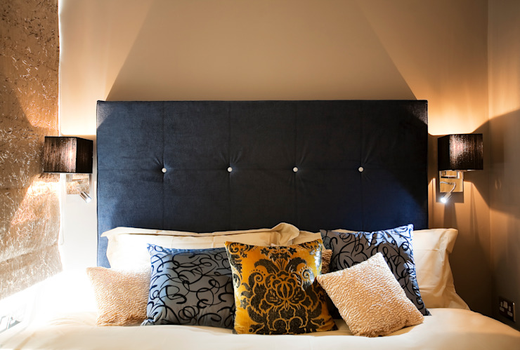 The master bedroom Eclectic style bedroom by Matteo Bianchi Studio Eclectic