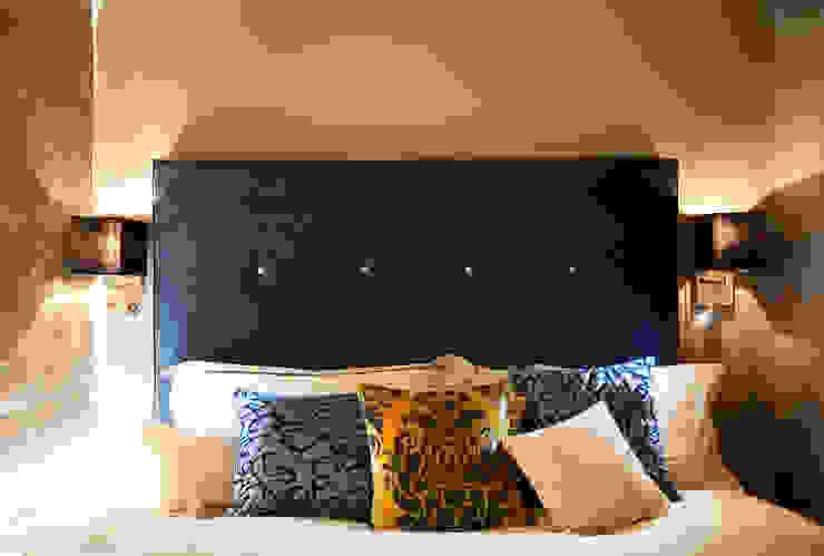 The master bedroom Спальня в эклектичном стиле от Matteo Bianchi Studio Эклектичный