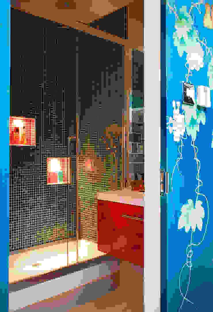 Family Bathroom Ванная комната в эклектичном стиле от Matteo Bianchi Studio Эклектичный