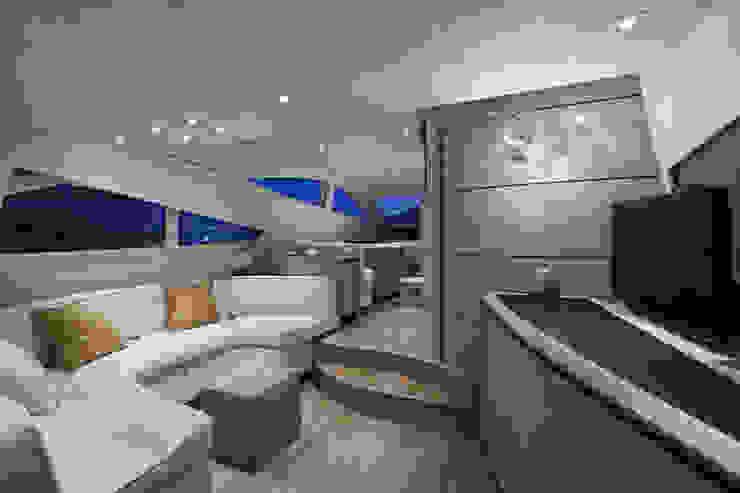 Barco revestido con Infeel de Élite Diseños
