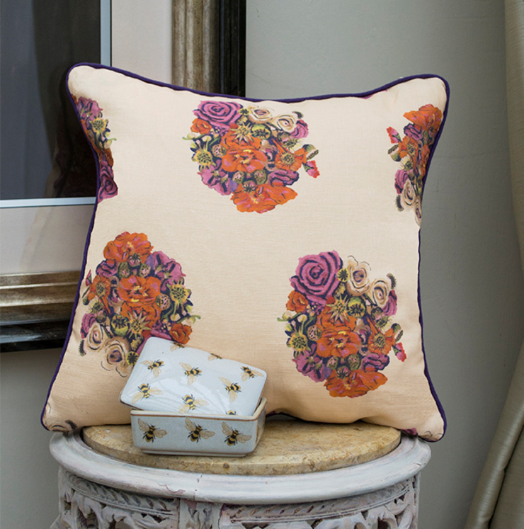 British Bouquet Cushion di Occipinti Rurale