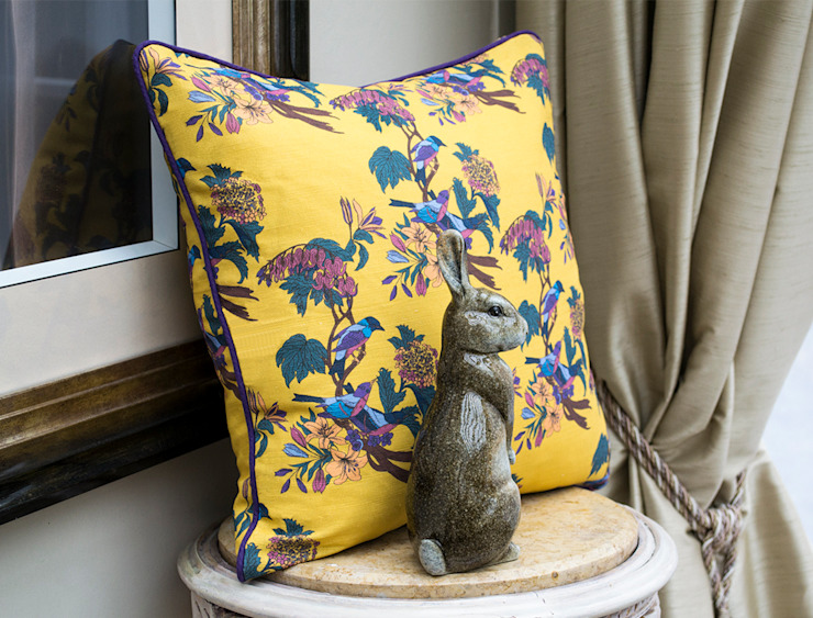 Golden Bunting Birds Cushion od Occipinti Eklektyczny