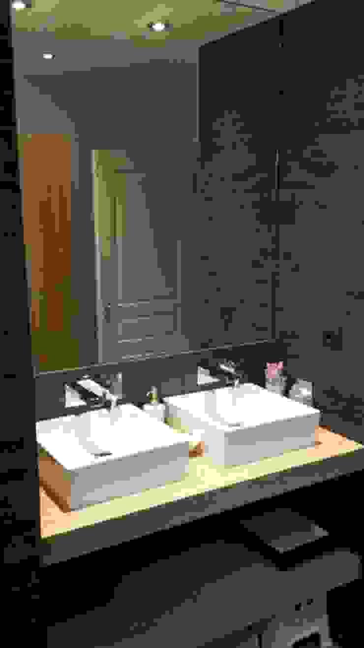 salle de bains ZEN Salle de bain moderne par agence concept decoration Moderne