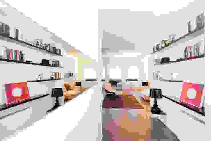 Private House Modern Corridor, Hallway and Staircase by MNA Studio | Macchi Nicastri Architetti Modern