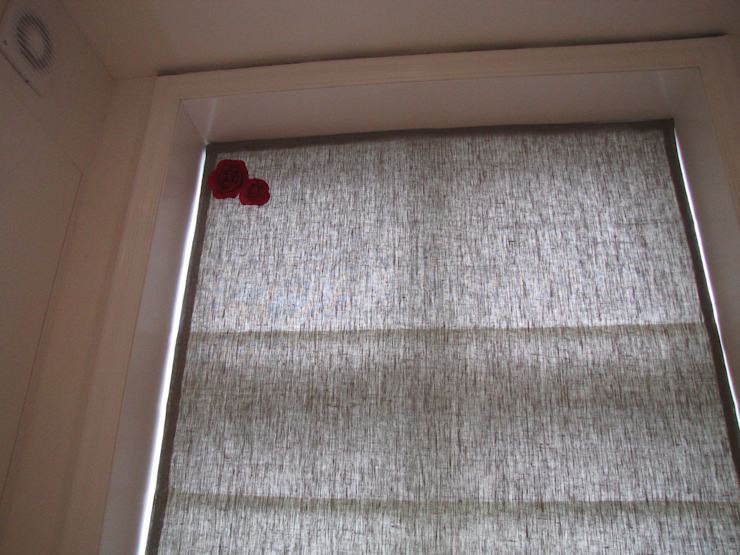 Grey Blind with Roses by Misty Interior