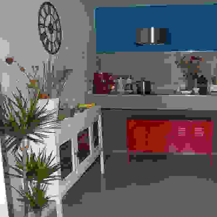 LOW COST HOME STAGING Cucina eclettica di Inarte Progetti di Lucio Mana Eclettico