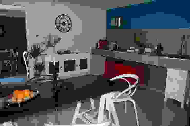 LOW COST RELOOKING Cucina eclettica di Inarte Progetti di Lucio Mana Eclettico