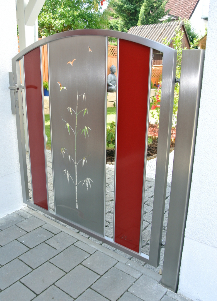 Edelstahl Tore Moderner Garten von Edelstahl Atelier Crouse: Modern Metall