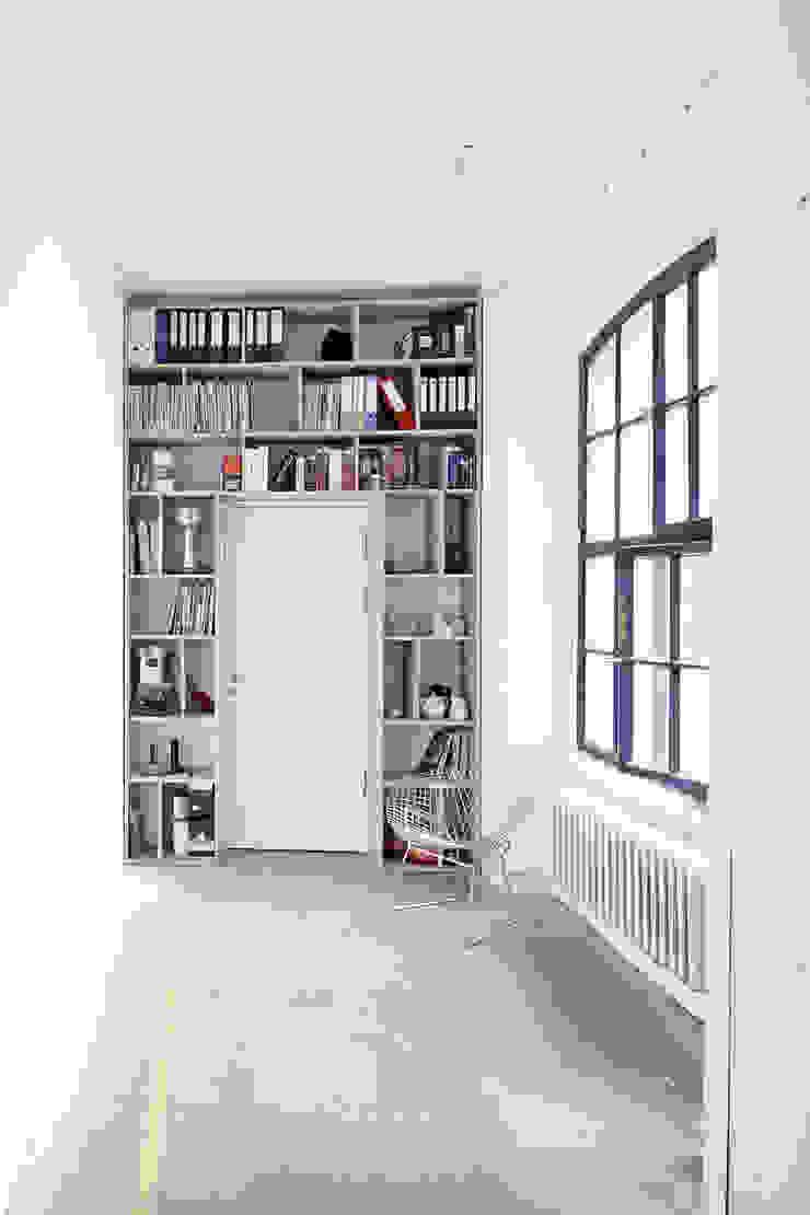 Studio 211 Industriale Bürogebäude von marc benjamin drewes ARCHITEKTUREN Industrial