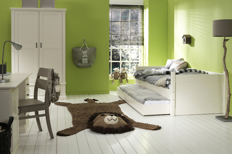 Nursery/kid's room by homify, Classic