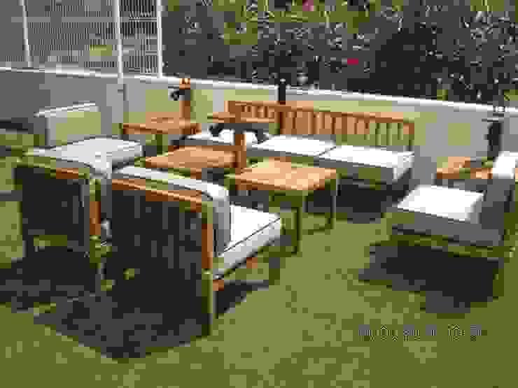 Muebles de exterior de CARPINTERIA LATORRE Moderno