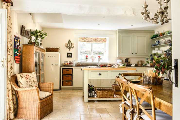 Cocinas de estilo  por holly keeling interiors and styling, Rural