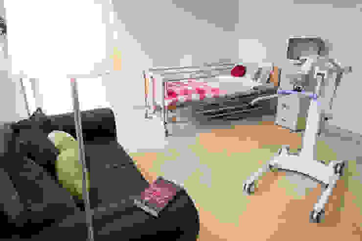 Ashbrook Neuro Rehabilitation Modern hospitals by Pride Road Modern