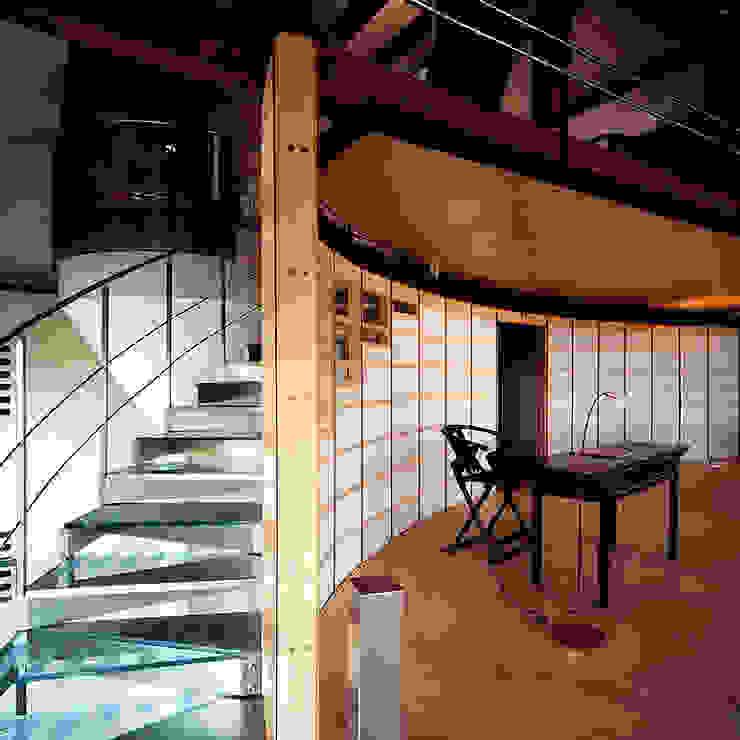 Private House Pasillos, vestíbulos y escaleras modernos de Ni.va. Srl Moderno