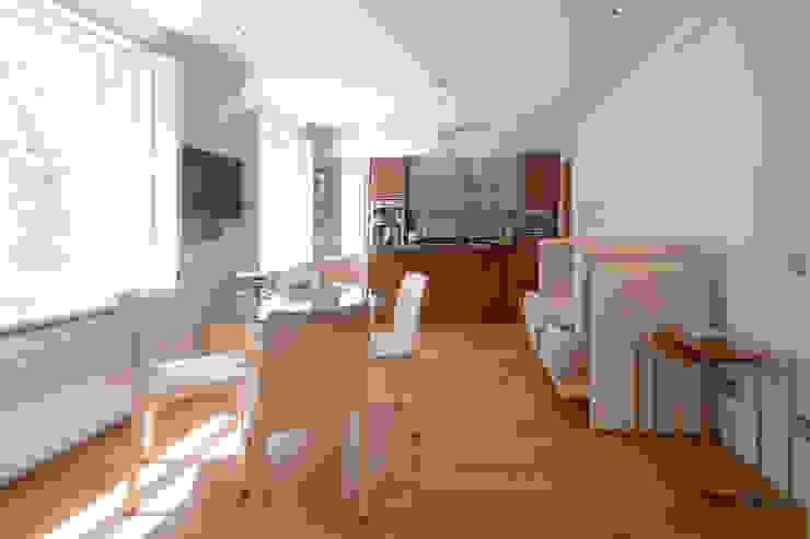 Craven Hill Gardens, Apartment Kitchen by Eliska Design Associates Ltd.