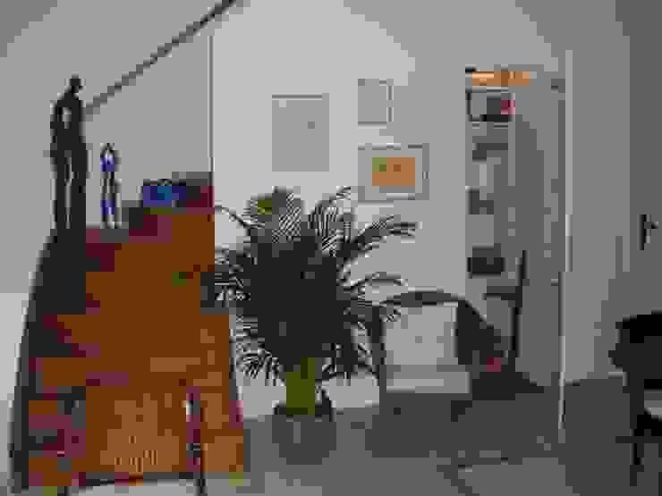 Echoppe Bordelaise Couloir, entrée, escaliers modernes par AUDE SWEET HOME Moderne