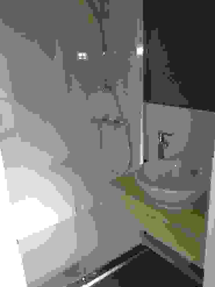 Echoppe Bordelaise Salle de bain moderne par AUDE SWEET HOME Moderne