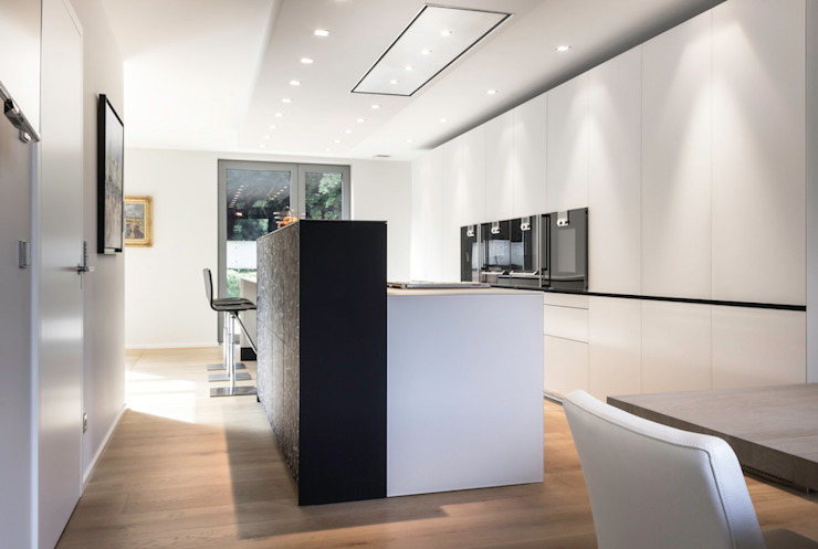 Manufaktur Dielen: modern  von Holz + Floor GmbH | Thomas Maile | Living with nature since 1997,Modern