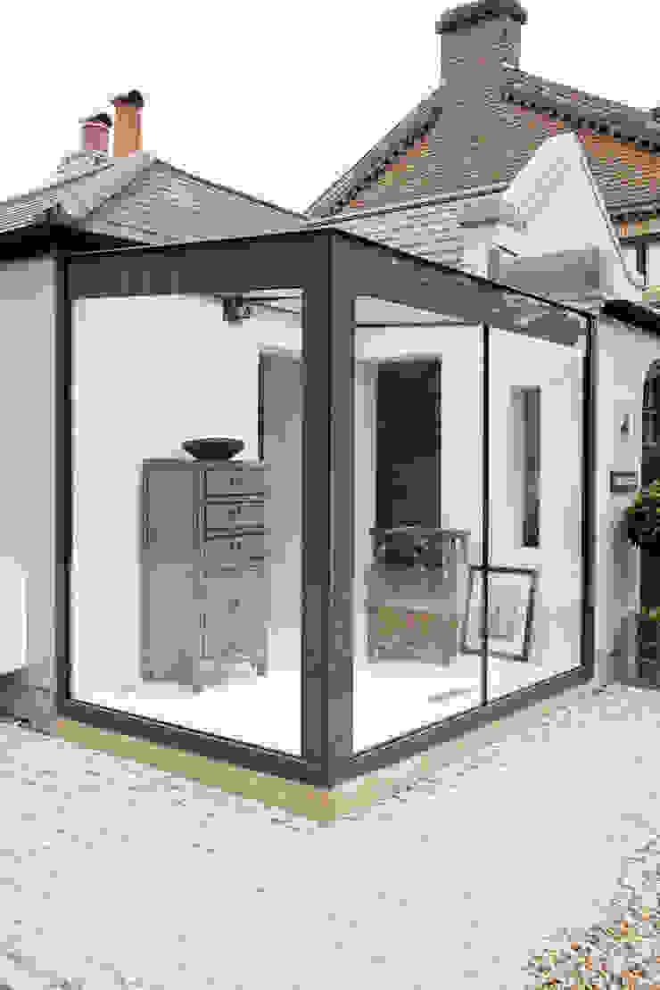 Home Farm Close Living room by IQ Glass UK