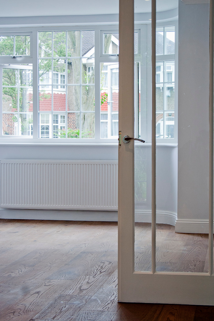 Refurbishment and Ground Floor Extension, Cockfosters Classic style houses by RS Architects Classic