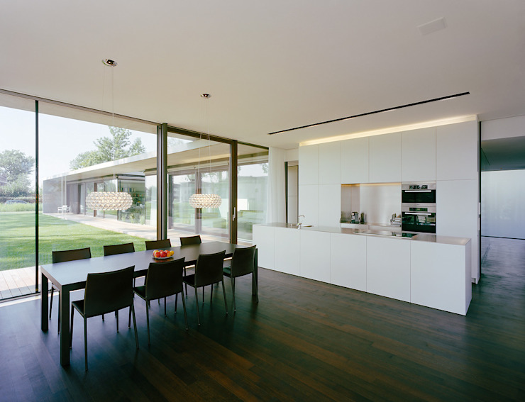 Modern kitchen by Dietrich | Untertrifaller Architekten ZT GmbH Modern
