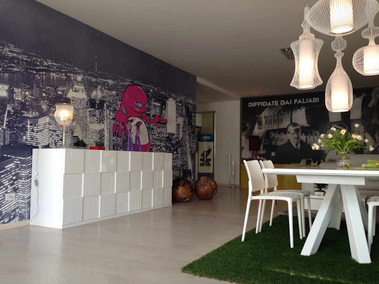 Modern dining room by Valentini Arredamenti Modern