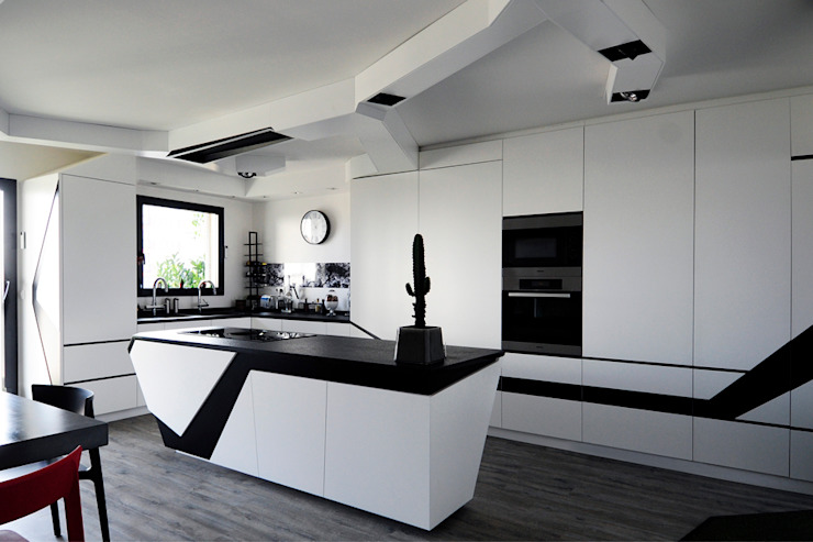 Kitchen by Agence Glenn Medioni,