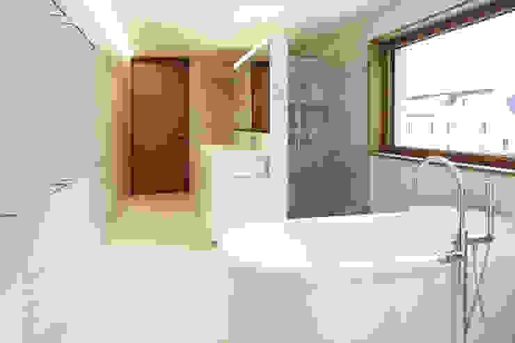 Dietrich | Untertrifaller Architekten ZT GmbH Bathroom