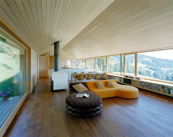 Living room by Dietrich | Untertrifaller Architekten ZT GmbH