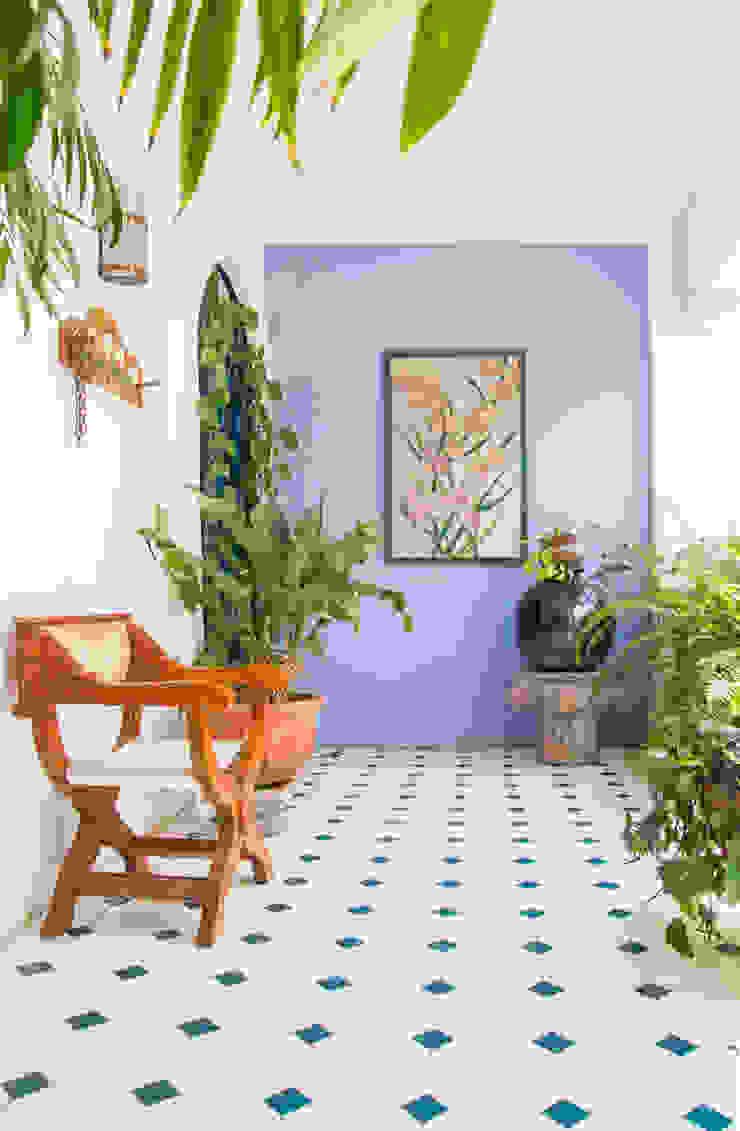 Bienvenidos ! Mikkael Kreis Architects Pasillos, vestíbulos y escaleras eclécticos