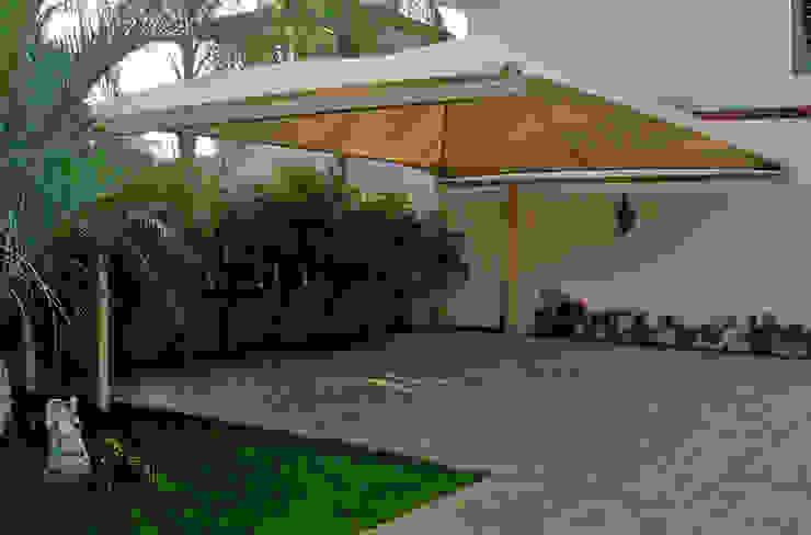 Modelo Domo Cantilever Velarium Shadeports Casas de estilo moderno