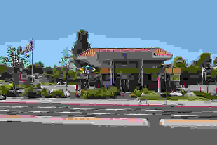 76 Gas Station, San Marcos CA. 2014 Espacios comerciales de estilo moderno de Erika Winters® Design Moderno