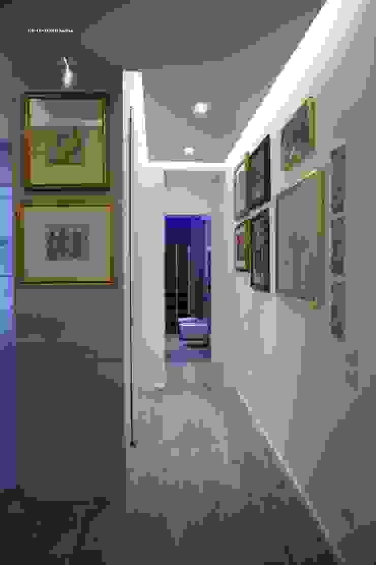 G/G associati studio di ingegneria e architettura _ing.r.guglielmi_arch.a.grossi Couloir, entrée, escaliers modernes