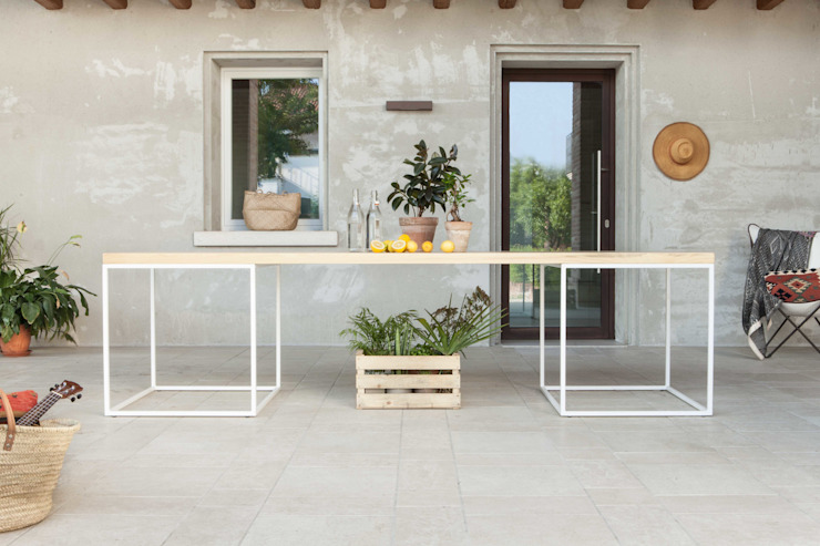 esternal table Didonè Comacchio Architects Modern houses