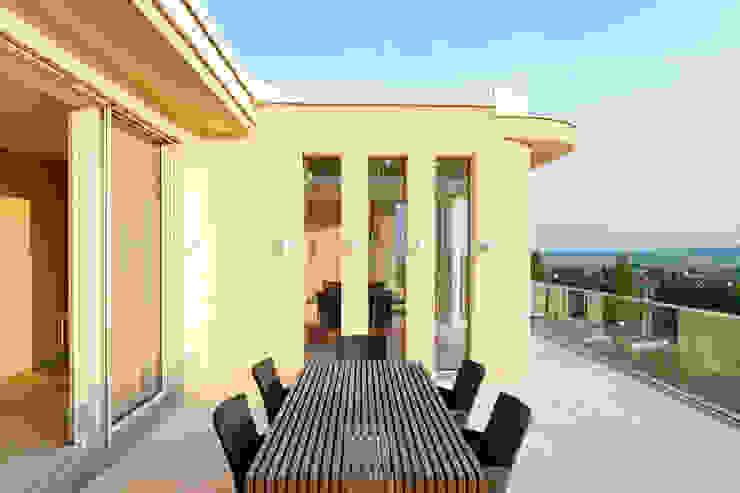 Haus GF von t-hoch-n Architektur Mediterran