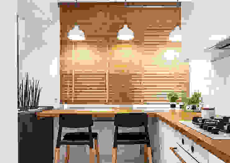 現代廚房設計點子、靈感&圖片 根據 grupa KMK sp. z o.o 現代風