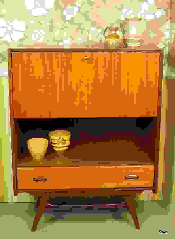 Vintage barkastje ook ideaal als servieskastje: modern  door Swiet, Modern