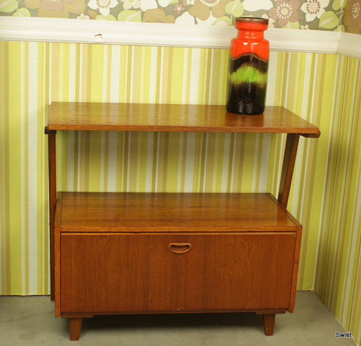 Vintage Tv meubel van Aldenkamp: modern  door Swiet, Modern