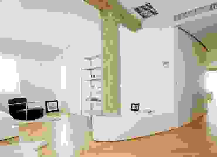 Desengaño Dormitorios de estilo mediterráneo de Maroto e Ibañez Arquitectos Mediterráneo