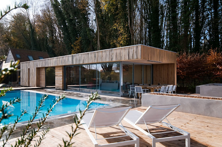 Bluebell Pool House 모던스타일 주택 by Adam Knibb Architects 모던