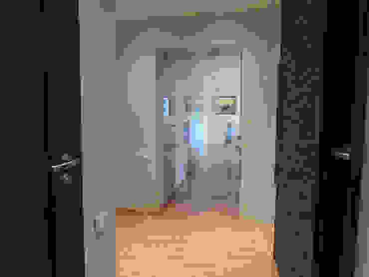 Mieszkanie prywatne Sosnowiec Minimalistyczny korytarz, przedpokój i schody od Projektowanie Wnętrz Agnieszka Noworzyń Minimalistyczny