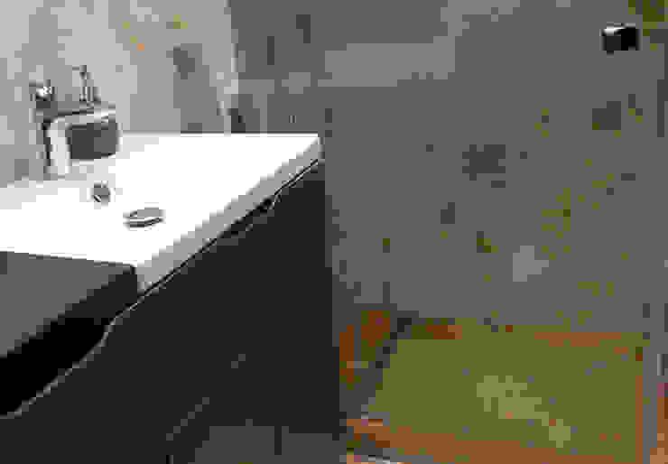 Mieszkanie prywatne Sosnowiec Minimalistyczna łazienka od Projektowanie Wnętrz Agnieszka Noworzyń Minimalistyczny